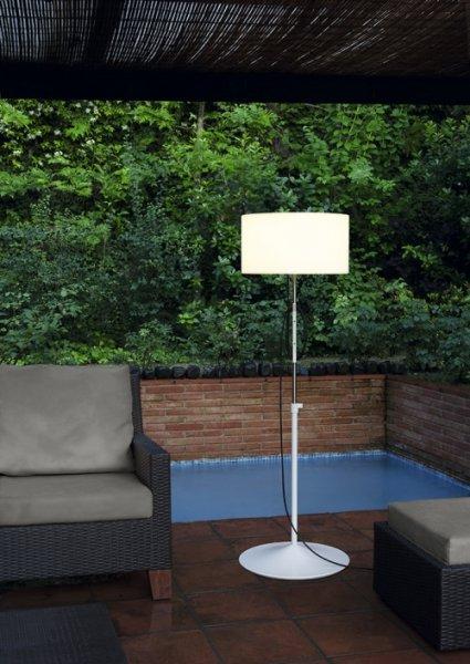Pie exterior harry plus carpyen carpyen lamparas y luz for Lamparas de pie para jardin